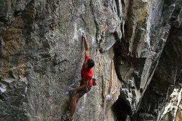 Louis Gundolf beim Felsklettern | Climbers Paradise