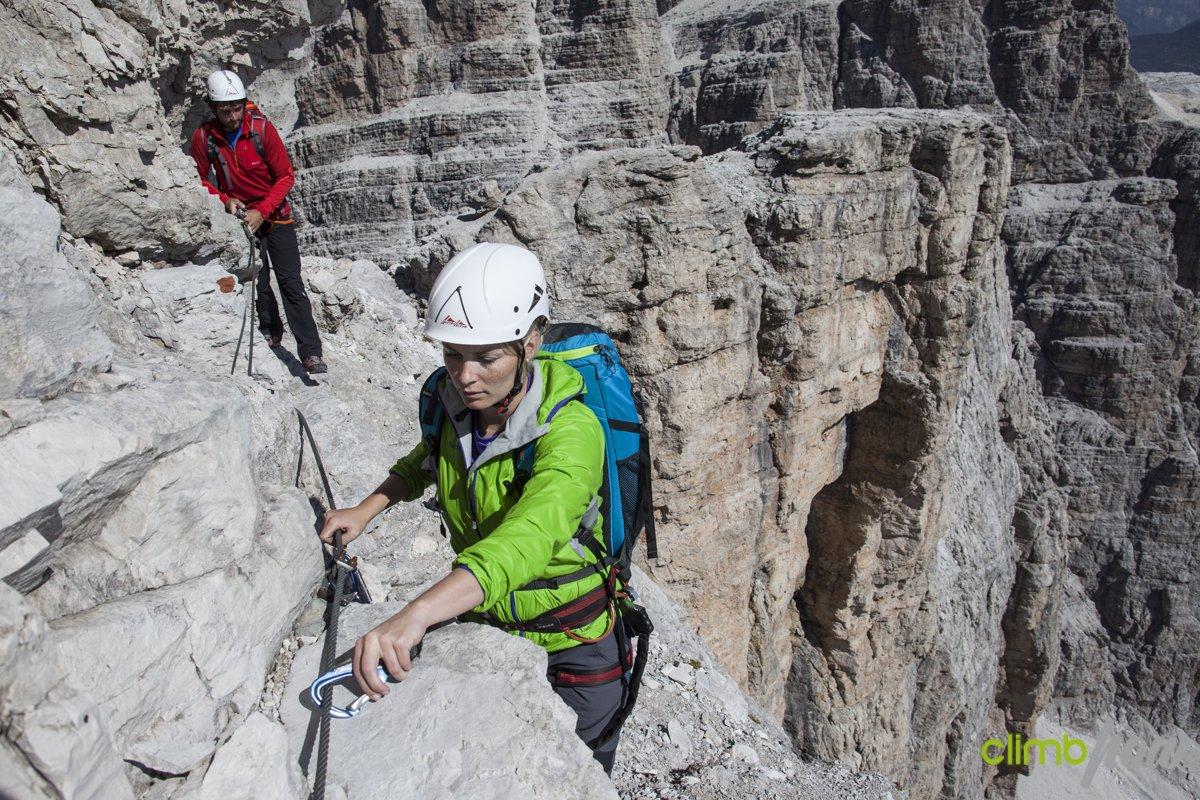 Richtig Sichern beim Klettersteig, Foto: ClimbHow | Climbers Paradise