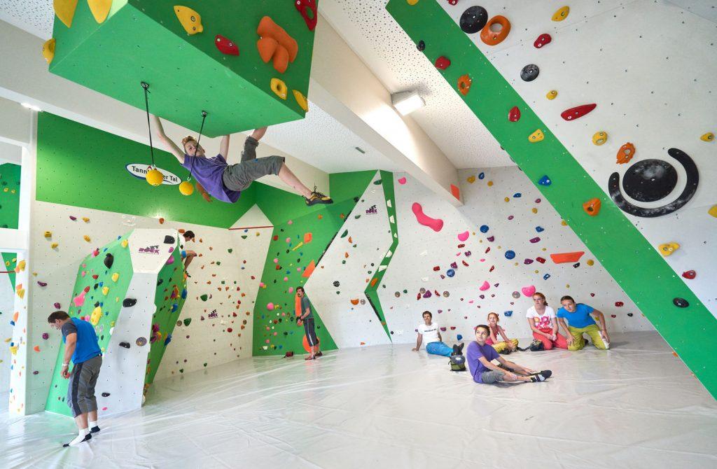 Boulderbereich im Kletter & Bouldertreff in Tannheim
