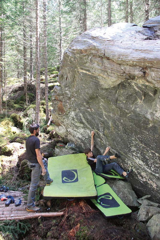 Bouldern in Mandlers Boden, Foto: Tourismusverband Pitztal | Climbers Paradise