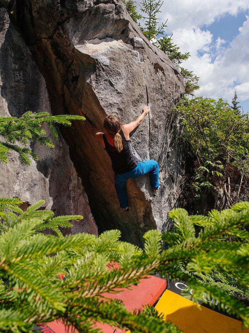 Bouldern in Hoch-Imst, Foto: Simon Schöpf   Climbers Paradise