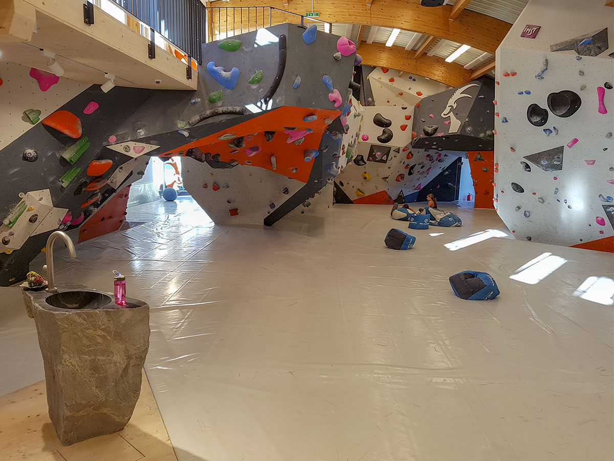 Boulderhalle Steinblock | Climbers Paradise