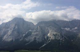 Der Ausblick vom Klettergarten Plattspitzen in der Tiroler Zugspitzarena | Climbers Paradise