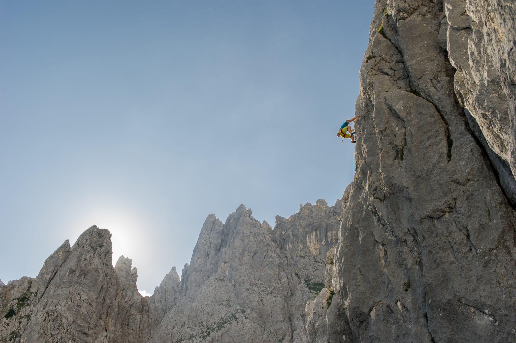 Klettern an der vorderen Karlspitze beim Wilden Kaisern, Foto: Roland Schonner | Climbers Paradise