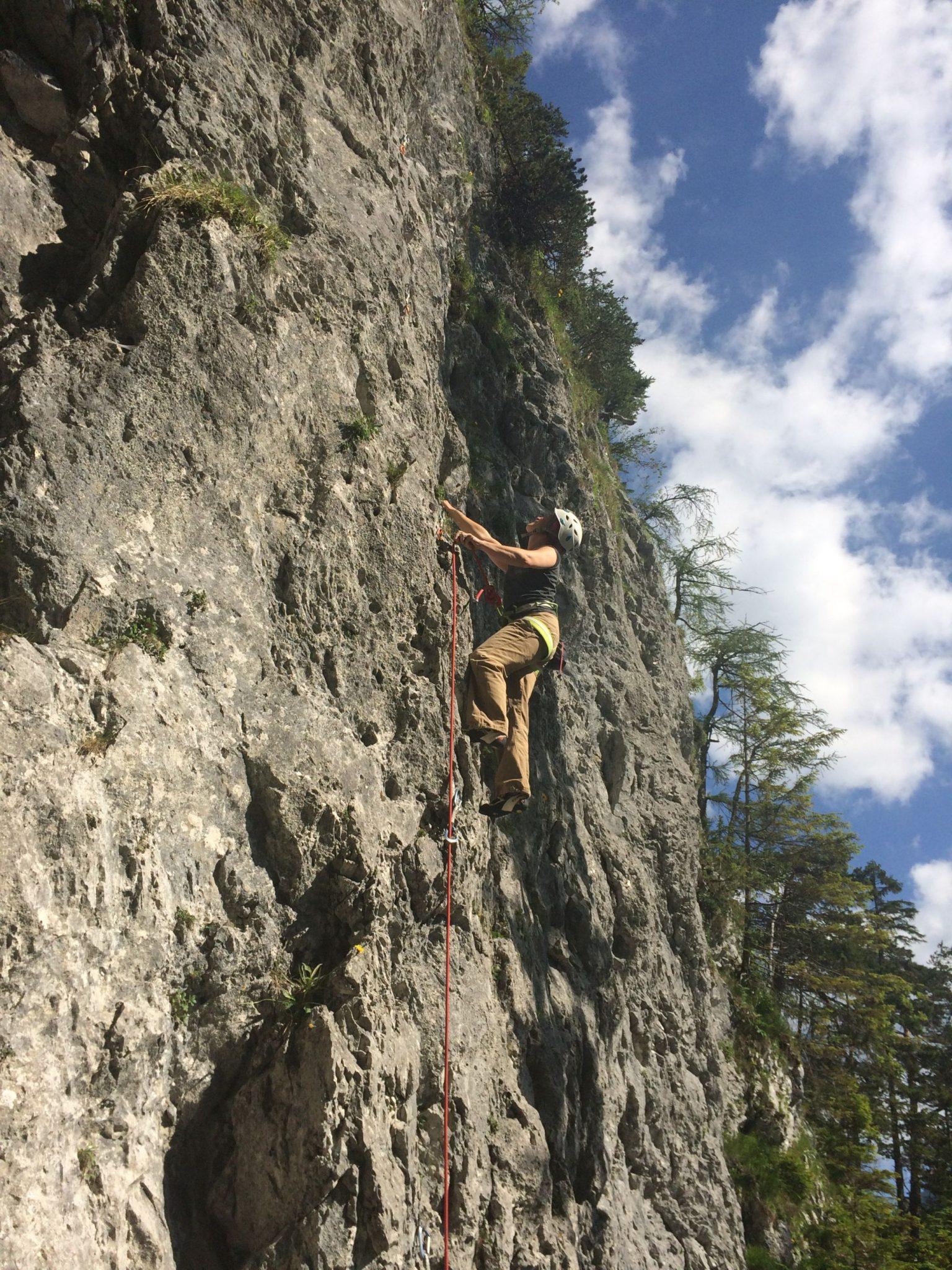 Gemütliches Einklettern am unteren Sektor vom Bärenkopf | Climbers Paradise