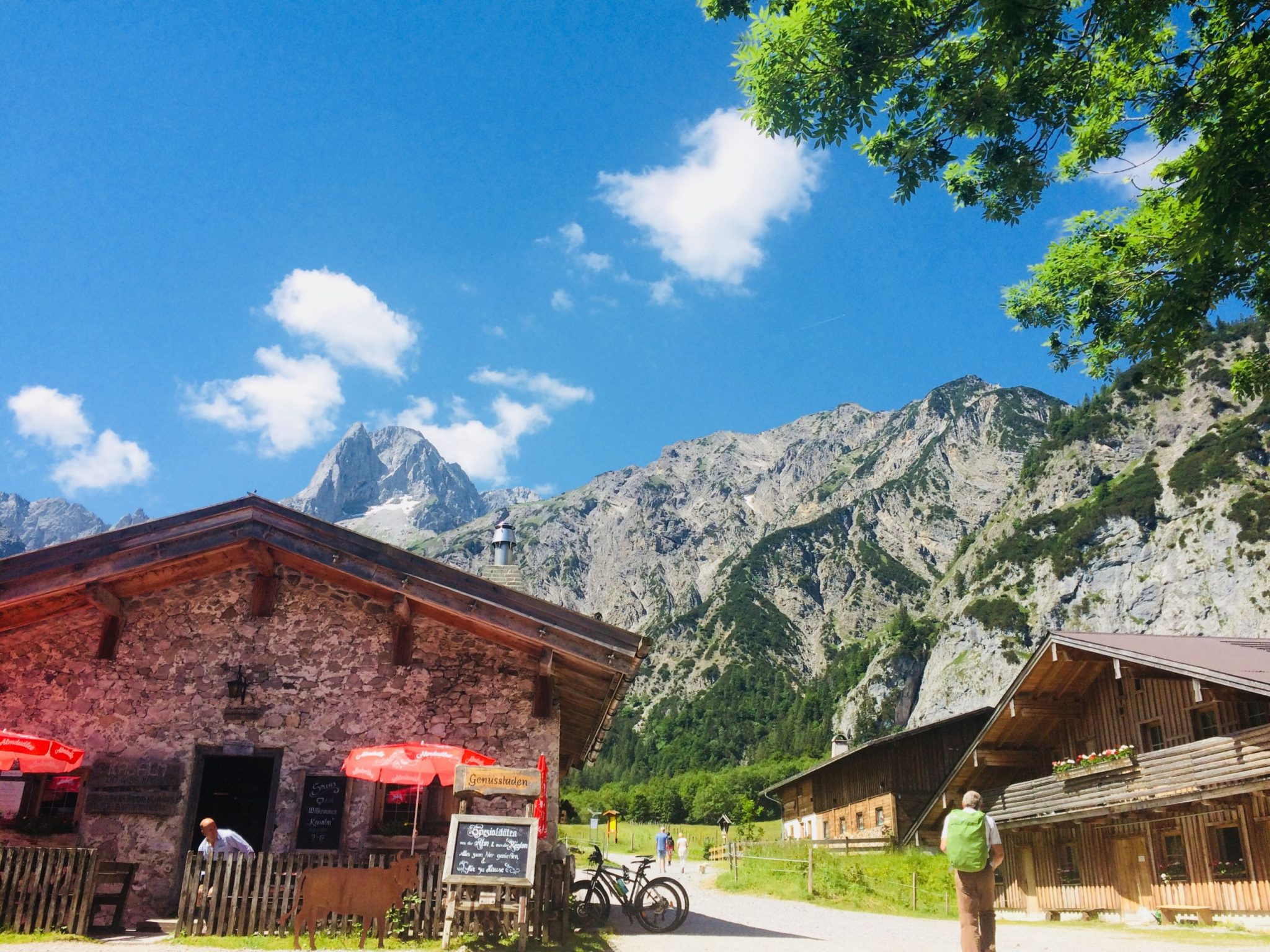 Traumhafter Blick von der Gramai Alm inmitten der Karwendeltäler | Climbers Paradise