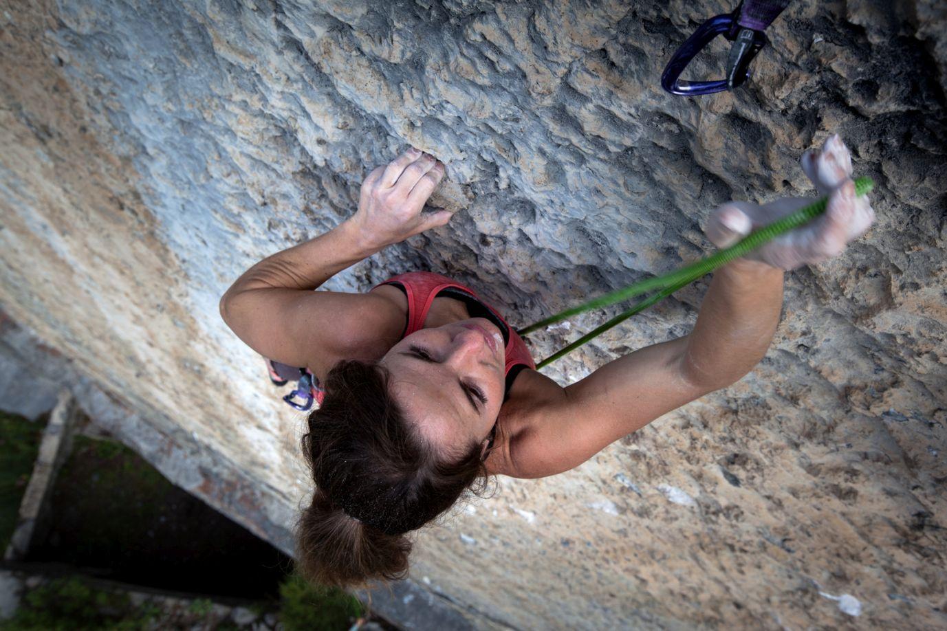 Zuhause am Fels – Barbara Zangerl, Foto: Tobias Attenberger | Climbers Paradise