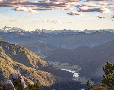 Ausblick von der Steinplatte Richtung Pillersee und das Tal, Foto: Defrancesco   Climbers Paradise