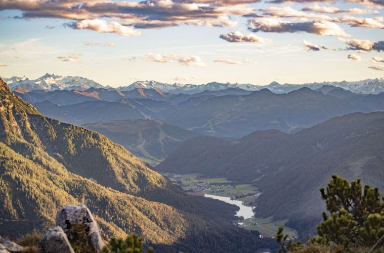 Ausblick von der Steinplatte Richtung Pillersee und das Tal, Foto: Defrancesco | Climbers Paradise