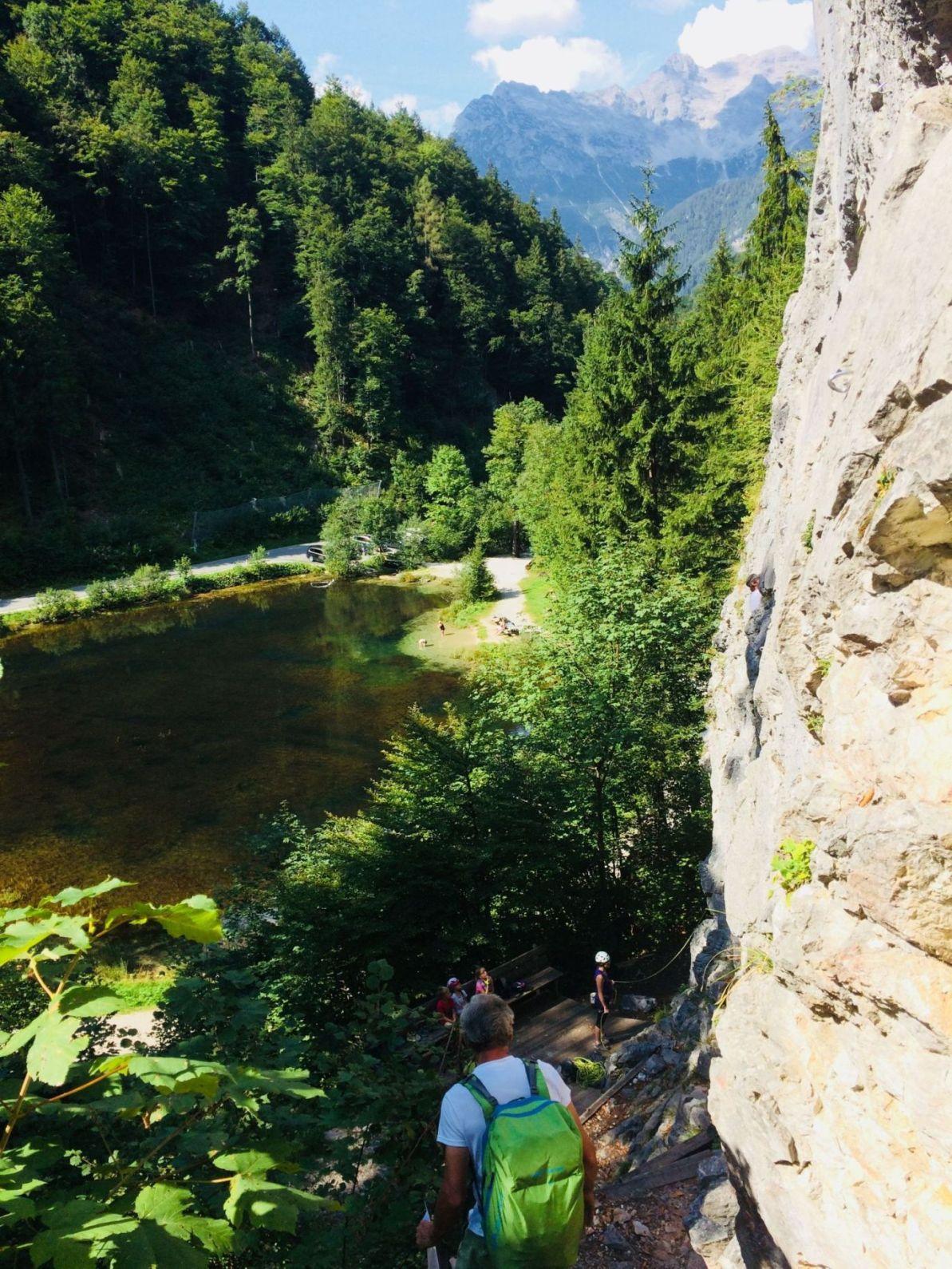 Der Blick vom Klettergarten Wiesensee auf den gleichnamigen Weiher | Climbers Paradise