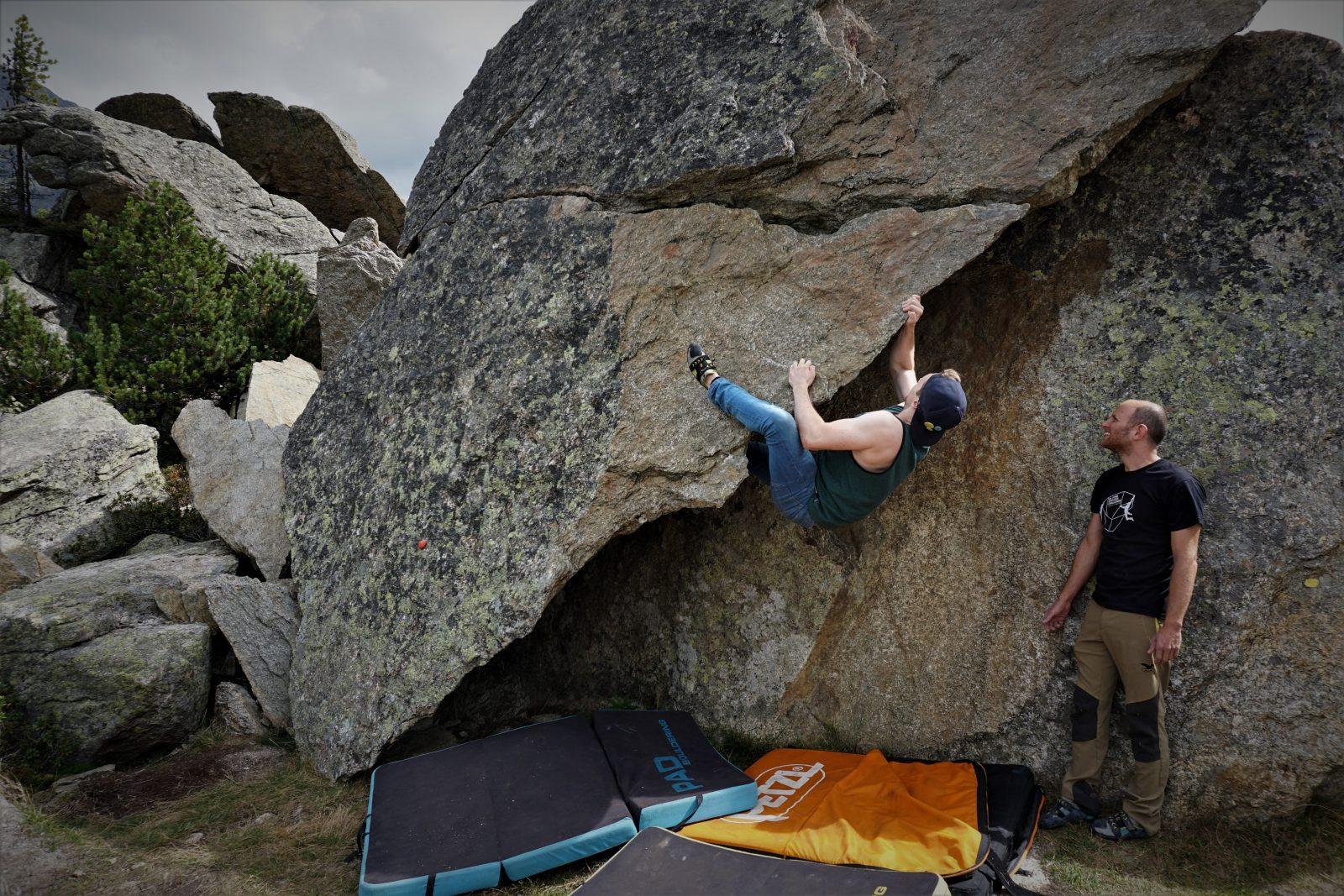 Herausfordernde Überhänge beim Bouldern im Silvapark | Climbers Paradise
