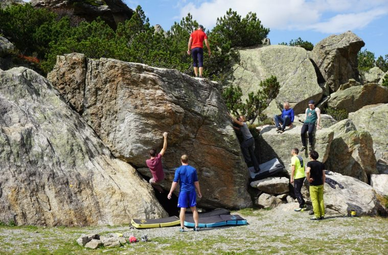 Exkursion zum Bouldern im Silvapark im Rahmen der Kletter WM 2018 | Climbers Paradise
