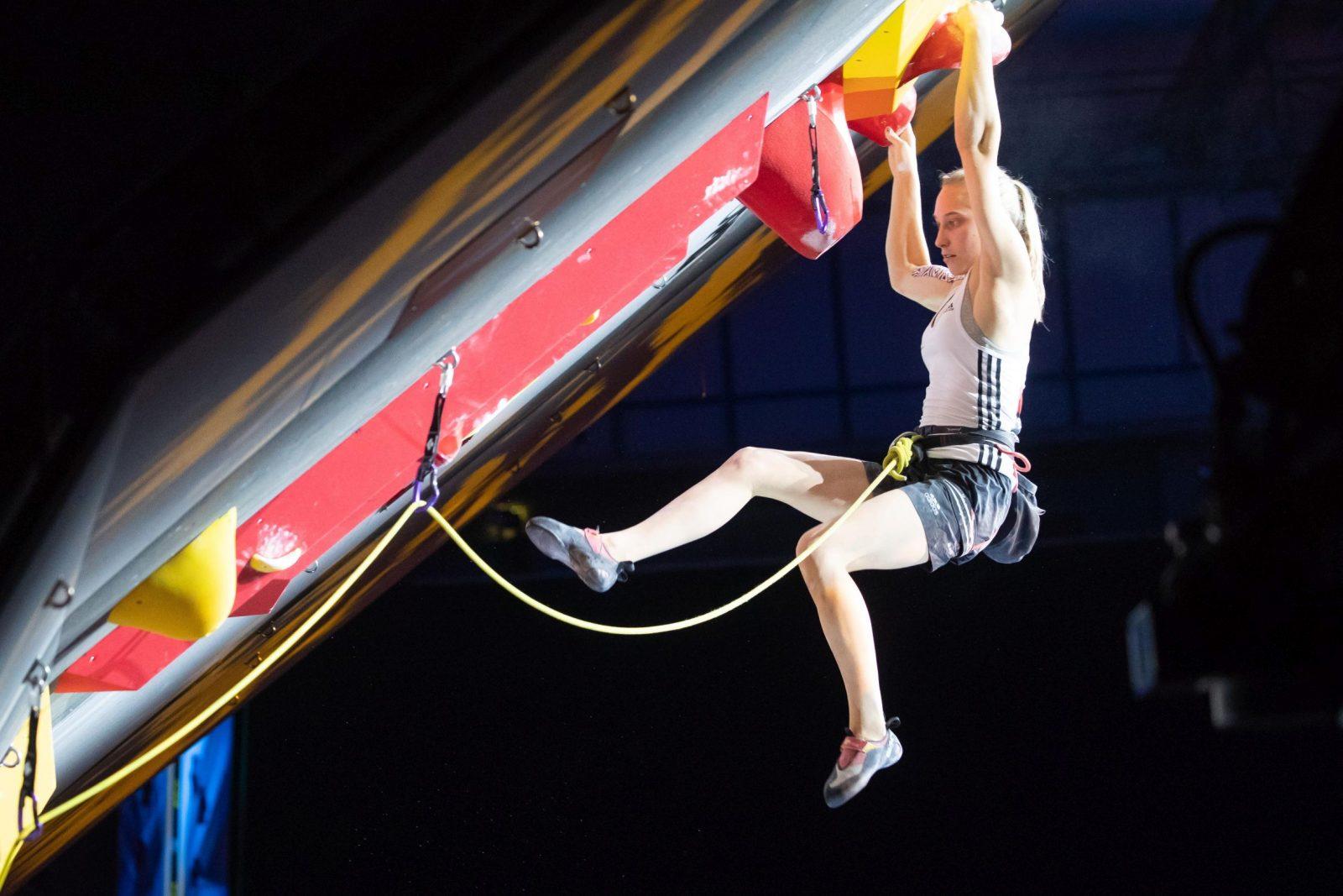 Janja Garnbret beim Klettern, Foto: Johann Groder | Climbers Paradise
