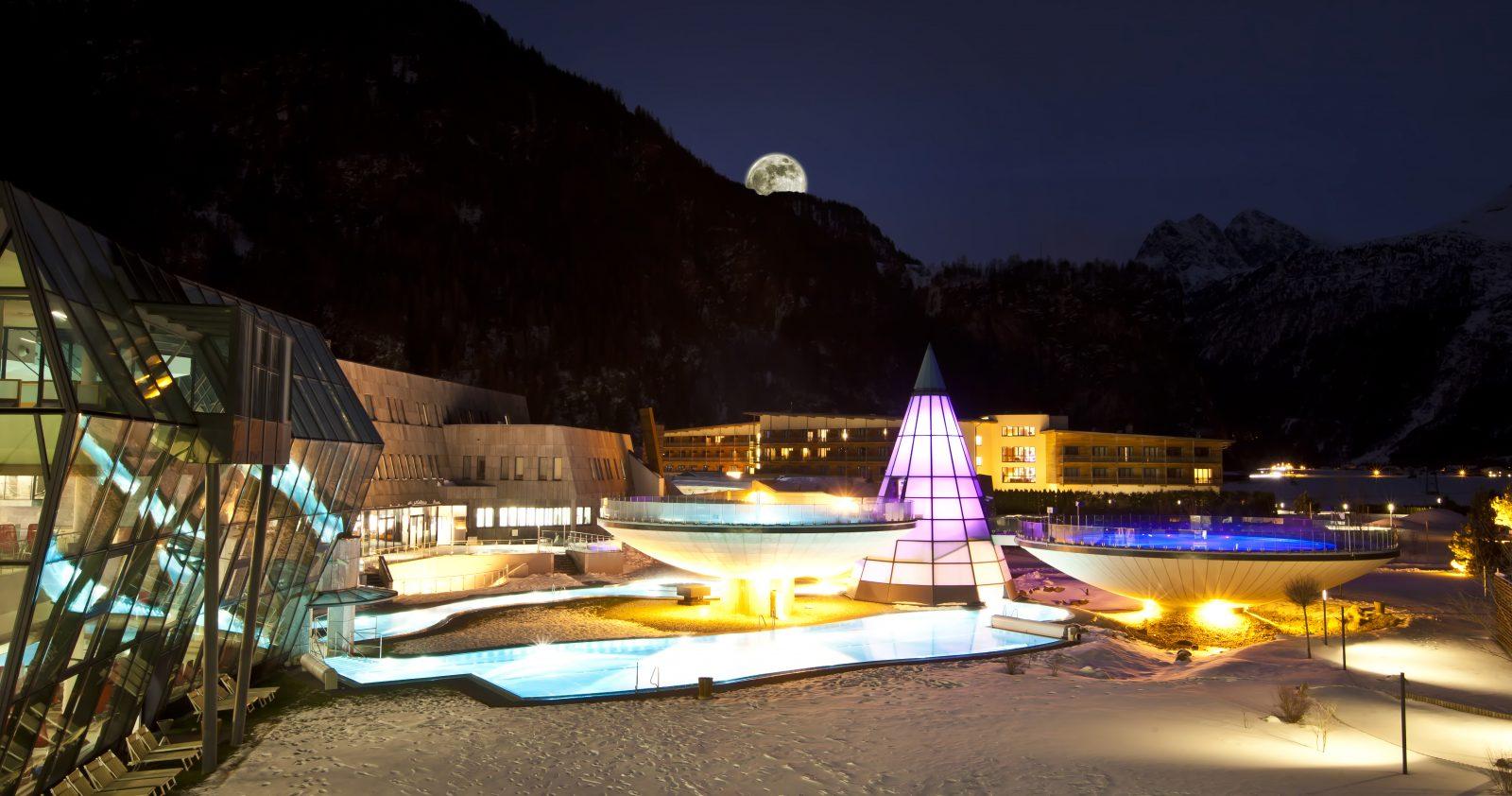 Aqua Dome am Abend, Foto: Aqua Dome | Climbers Paradise