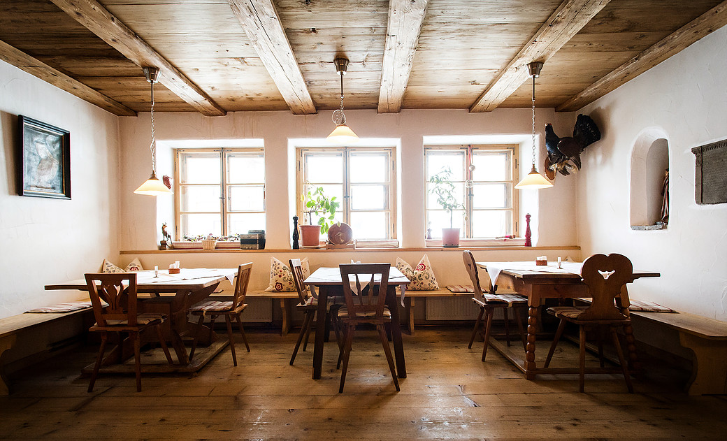 Die Stube des Restaurant Morent im Tannheimer Tal, Foto: www.gregonowits.com | Climbers Paradise