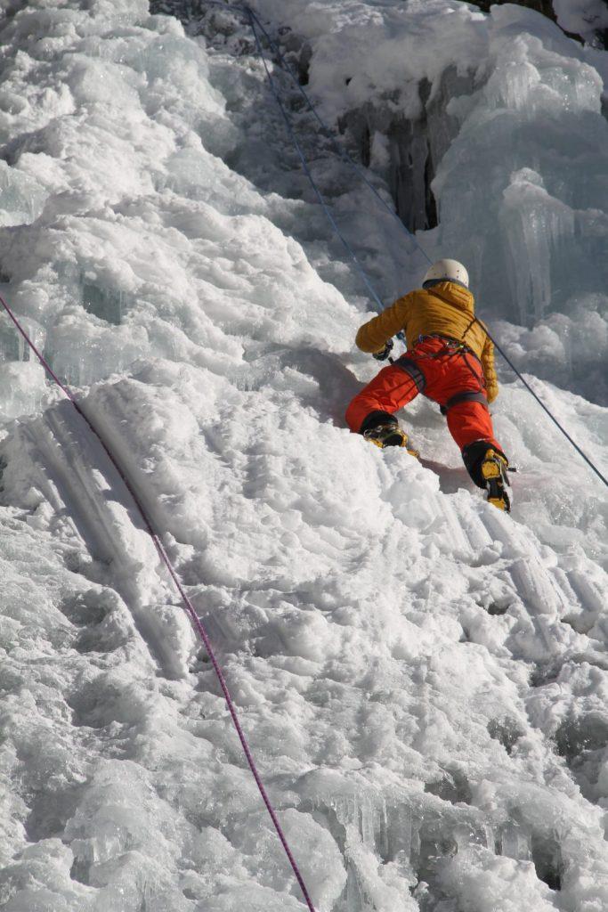 "Kletterer beim Festival ""Eis Total"", Foto: Bernhard Daurer | Climbers Paradise"
