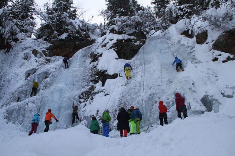 "Teilnehmer beim ""Eis Total"", Foto: Bernhard Daurer   Climbers Paradise"