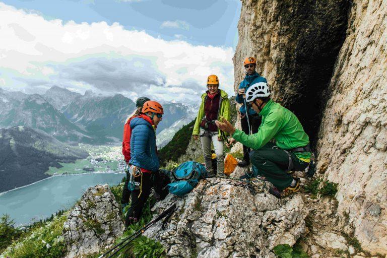 Klettern bei der Rotspitz am Achensee, Foto: sportalpen.com   Climbers Paradise
