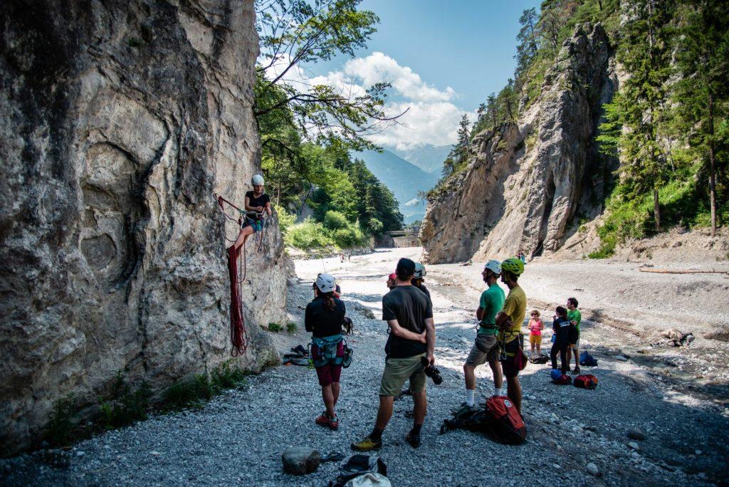 Lerne praktisches Wissen bei den kostenlosen Klettercamps von SAAC, Foto: SAAC | Climbers Paradise