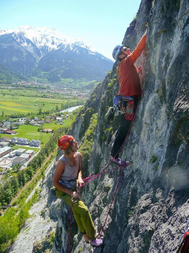 Klettern an der Burschlwand in der Ferienregion Tirol West, Foto: Simon Schöpf | Climbers Paradise