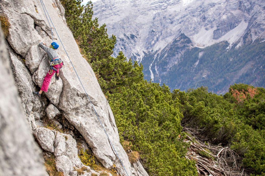 Klettern für Jugendliche bei der Steinplatte, Foto: Defrancesco | Climbers Paradise
