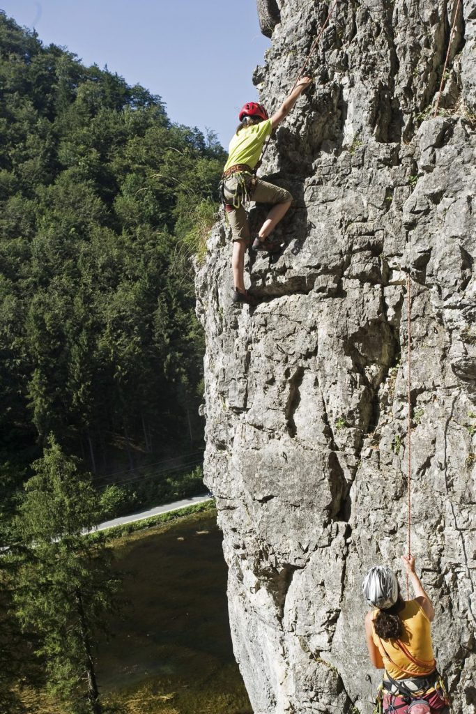 Klettern im Klettergarten Wiesensee bei Hochfilzen, Foto: Jörg Mitter | Climbers Paradise