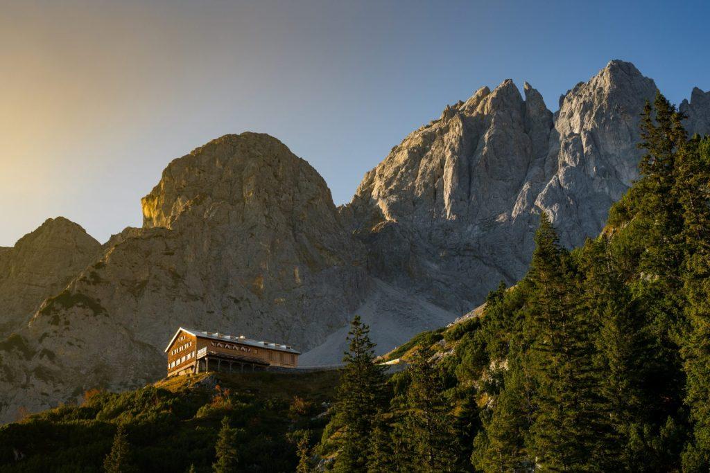 Die Gruttenhütte im Wilden Kaiser, Foto: TVB Wilder Kaiser, Emanuel Adensam | Climbers Paradise