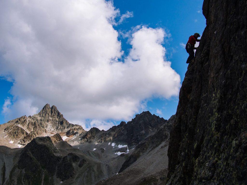 Kompakter Fels und eine große Auswahl an Touren zeichnen die Umgebung der Darmstädter Hütte aus I Climbers Paradise