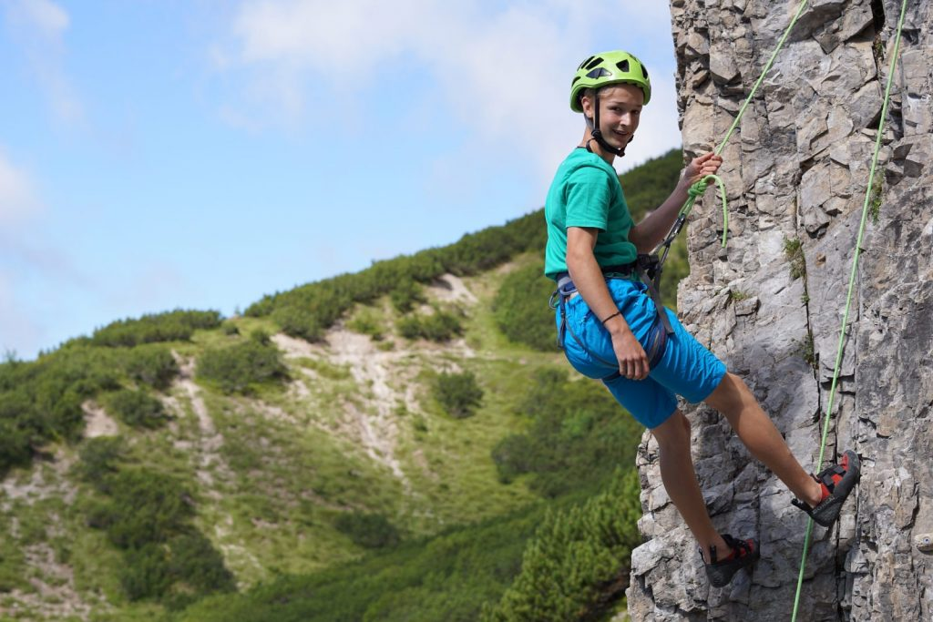 Der Klettergarten in unmittelbarer Nähe zum Solsteinhaus eignet sich auch perfekt für Kinder. Foto: Matthais Bader | Climbers Paradise