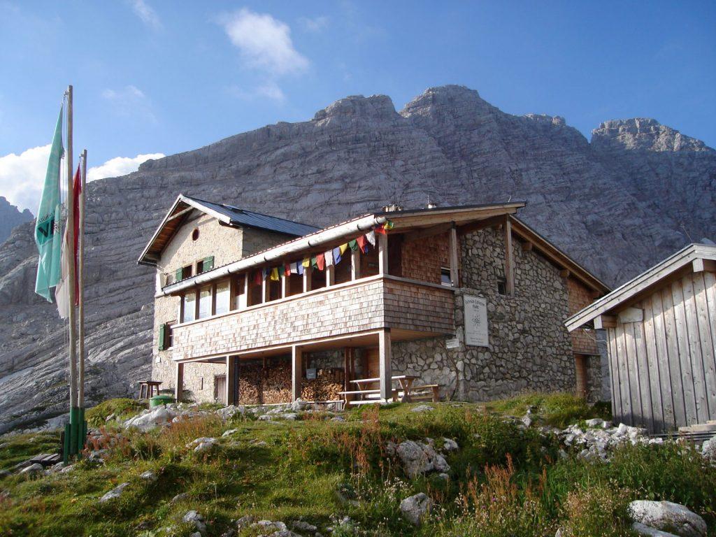 Die Schmidt-Zabierow-Hütte in den Loferer Steinbergen, Foto: Thomas Schöpf | Climbers Paradise