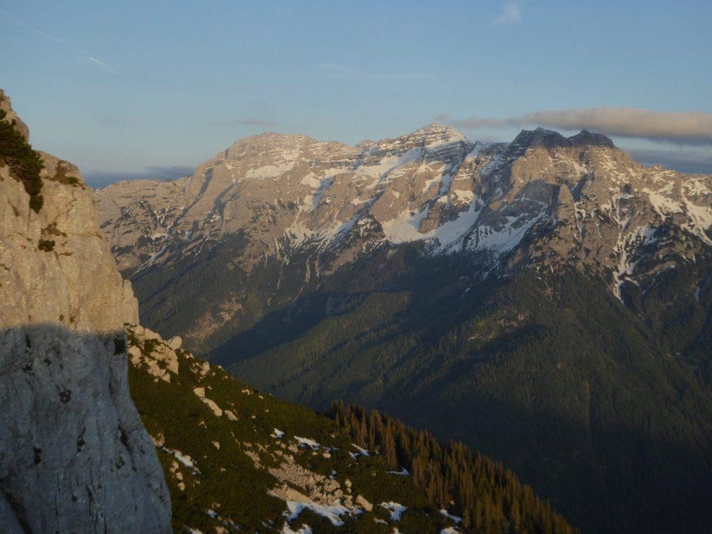 Plaisirgelände und wunderschöne Aussicht prägen die Steinplatte, Foto: Bonnie Klingler | Climbers Paradise