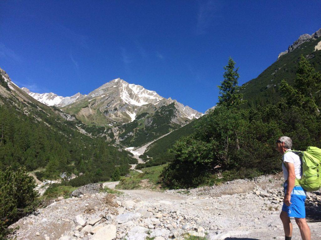 Der Aufstieg zur Muttekopfhütte stimmt auf den Kurzurlaub ein | Climbers Paradise