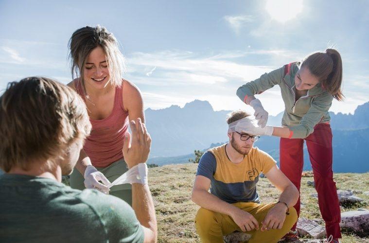 Der Druckverband bei Erste-Hilfe-Maßnahmen am Berg, Foto: Hansi Heckmair   Climbers Paradise