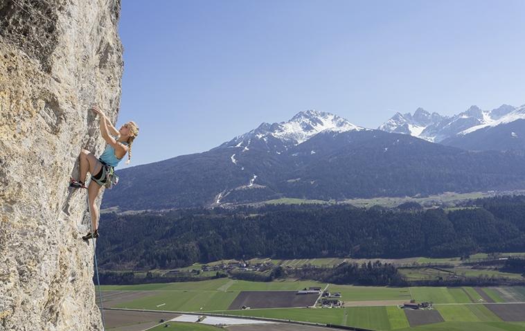 Klettern mit Panorama bei der Galerie, Foto: Günter Durner | Climbers Paradise