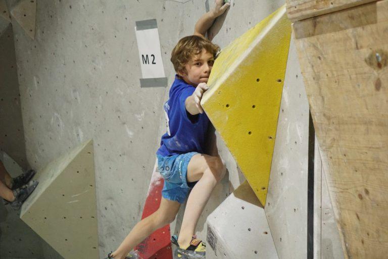 Kinder-Klettertraining: Auch das Körpergefühl muss trainiert werden, Foto: Matthias Bader   Climbers Paradise