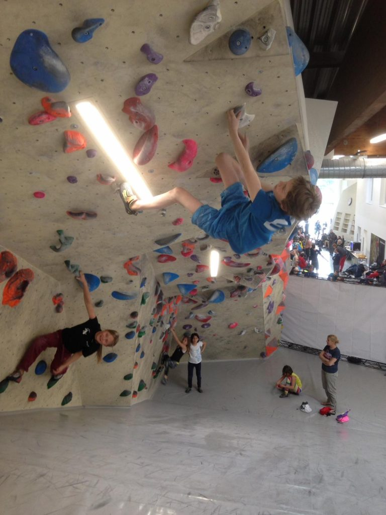Kinder-Klettertraining: Training in der Halle, Foto: Matthias Bader   Climbers Paradise