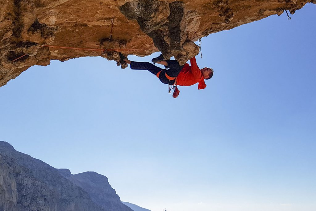 Mike Gabl, Mike überhängend, Foto: Mike Gabl | Climbers Paradise