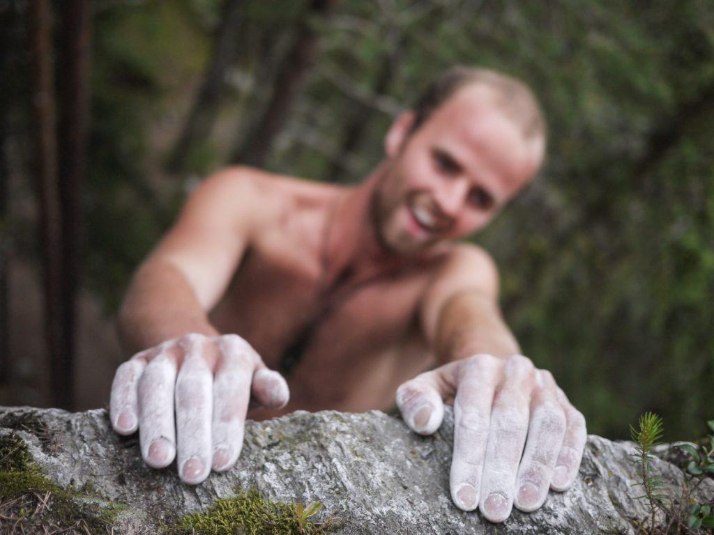 Kann man nur lachen, bei so viel gutem Fels. Foto: Simon Schöpf