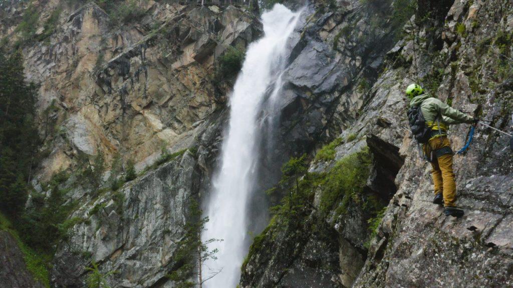 Klettersteigtutorial-Ausrüstung, Schuhe, Foto: Alpsolut, Österreichischer Alpenverein | Climbers Paradise