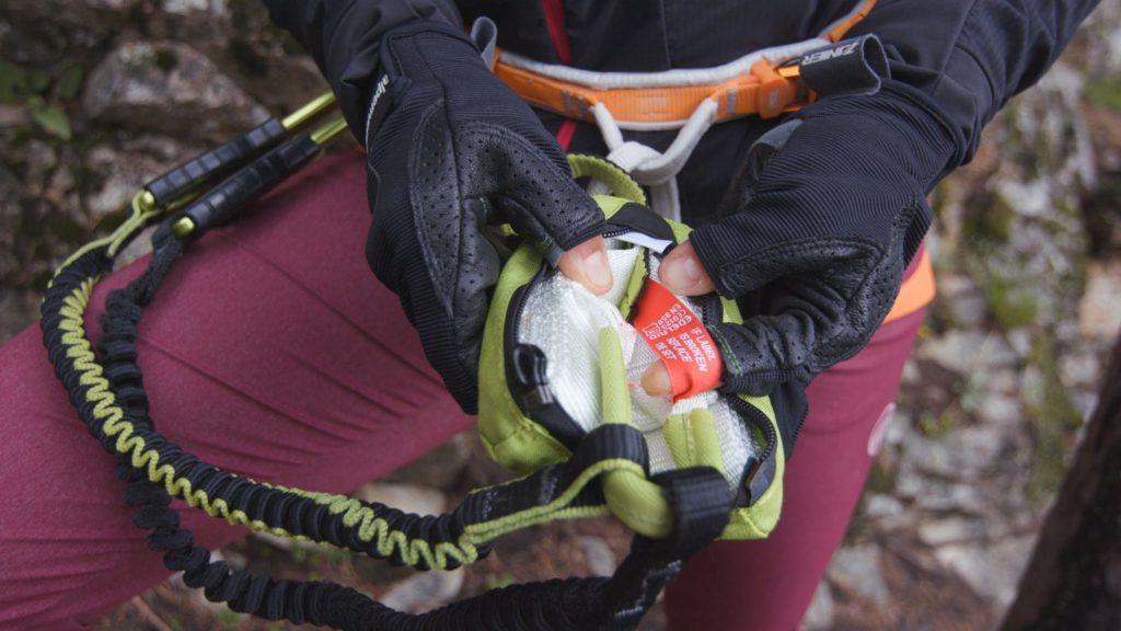 Klettersteigtutorial-Klettersteigset, Bandfalldämpfer, Foto: Alpsolut, Österreichischer Alpenverein | Climbers Paradise