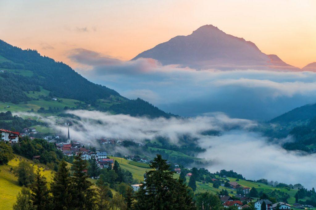 Pitztal - Wenns mit Tschirgant, Foto: Tirol Werbung |Climbers Paradise