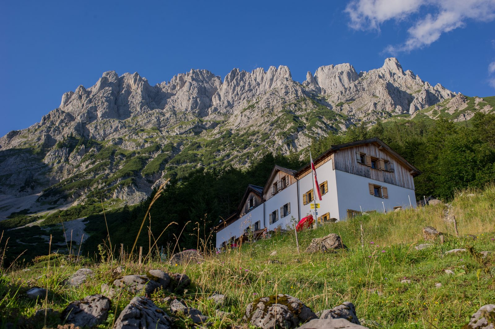 Die Gaudeamushütte im Wilden Kaiser, Foto: Roland Schoner | Climbers Paradise