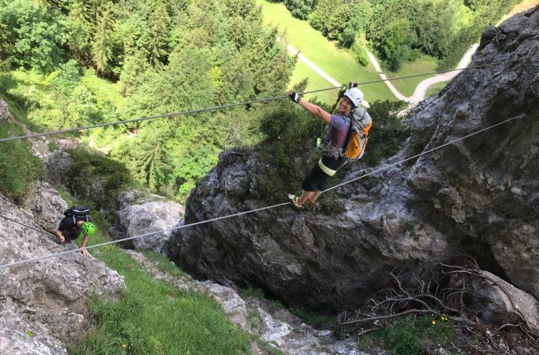 Erste Seilbrücke im Bergkameradensteig, Foto: Susa Schreiner  Climbers Paradise