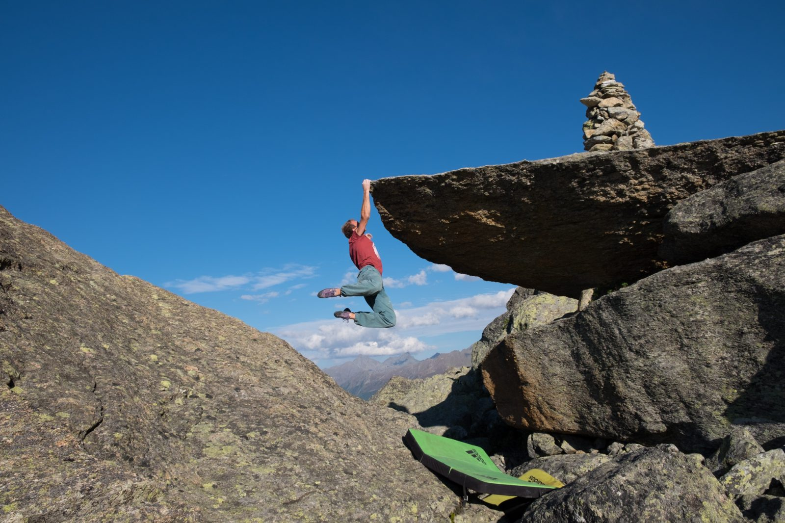 Bouldern im Silvapark hoch über Galtür im Paznaun, Foto: Simon Schöpf