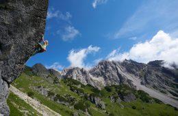 Klettern im Gebiet der Muttekopfhütte hoch über Imst. Foto: Michael Meisl