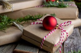 Weihnachtsgeschenke, Foto: Mel Poole, unsplash |Climbers Paradise