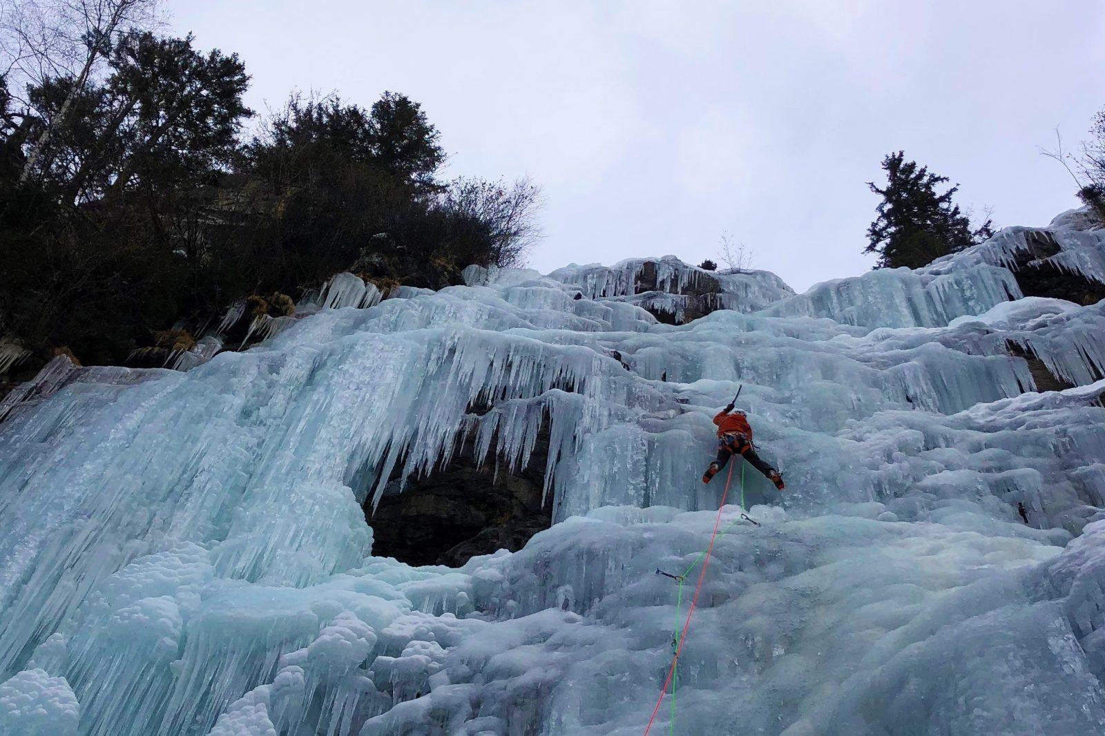 Eisklettern am Luisbodenfall, Foto: Mario Kaeppeli |Climbers Paradise