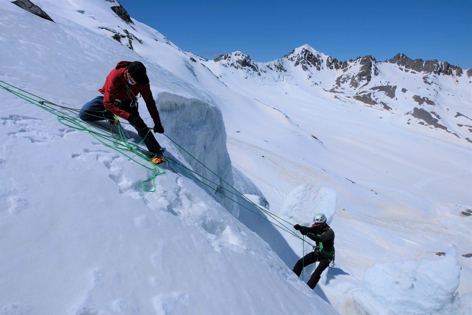 Ice Lab - Die Spaltenbergung üben, Foto: Benjamin Zörer I Climbers Paradise