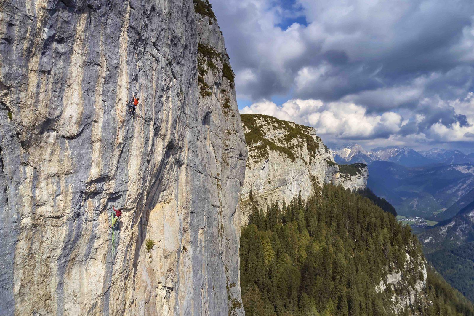 limit2-Steinplatte-weit-über-dem-lezten-bolt, Foto: Michael Meisl I Climbers Paradise