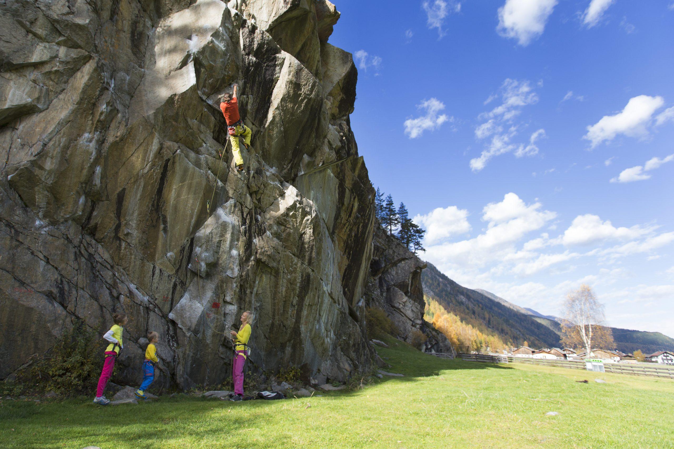 Ötztal - Klettern mit der Familie, Foto: Ötztal Tourismus, Elias Holzknecht I Climbers Paradise